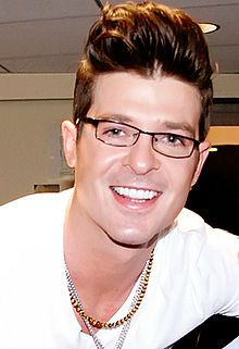 photo of Robin Thicke 2012 (performing at ACL-Live Moody Theatre Austin TX 3/20/2014)