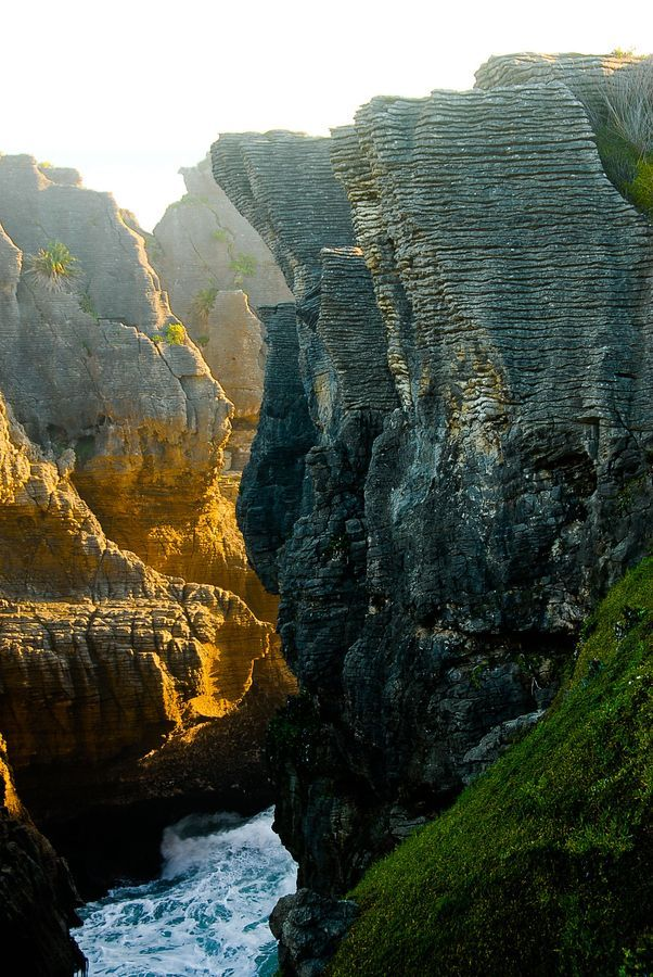 Punakaiki Pancake Rocks, Paparoa NP, West Coast, between Westport & Greymouth, The South Island, New Zealand