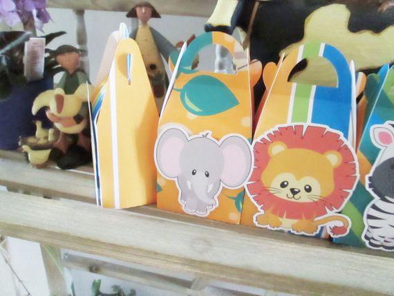 Купить товарСафари животные коробки конфет окно подарочной коробке кекс ящик мальчик рождения детей ну вечеринку поставки украшение событий ну вечеринку поставки в категории События и праздничные атрибутына AliExpress.     Safari животных                                                              Тема партии украшения и            Флаг