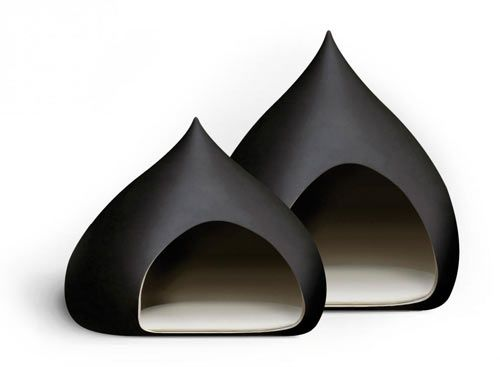 Castagna Pet bed / Italo Bosa for Bosa.  Is it wrong to want one for myself?  I mean, it looks like a Hershey's Kiss!  I want to crawl in there NOW!  :)