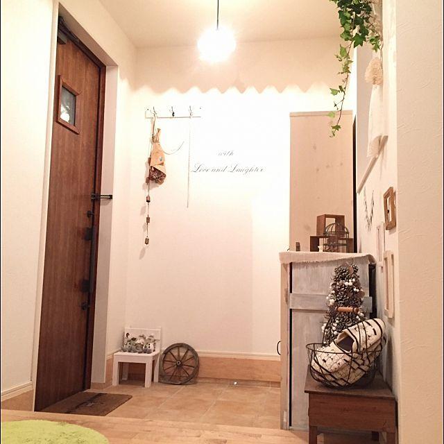 「おしゃれな玄関インテリア」ディスプレイ・収納実例40選 | RoomClip mag | 暮らしとインテリアのwebマガジン