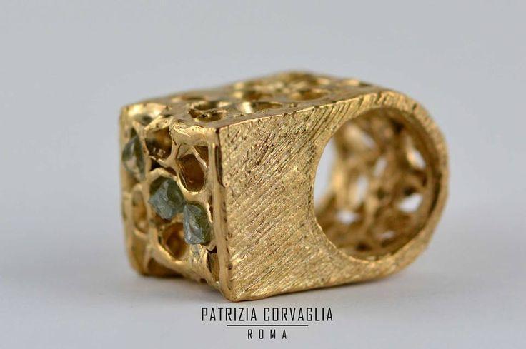 gioielli fatti a mano |  gioielli design | gioielli unici | gioielli animali| gioielli scultura |  pezzi unici |  gioielli personalizzati |  gioielli fatti a mano | esclusivi | eccellenze | lusso #patriziacorvagliagioielli #gioiellifattiamano #gioiellidesign #gioielliunici