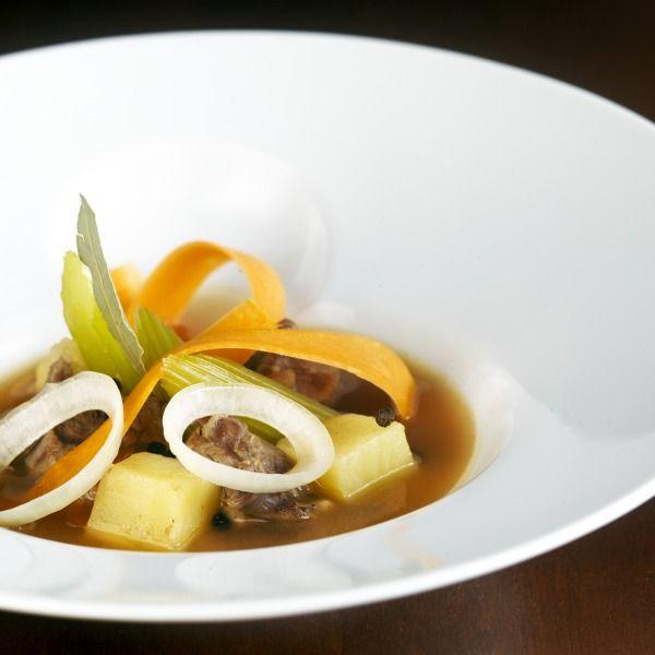 Σούπα με λαχανικά και μοσχαράκι από τον Λευτέρη Λαζάρου