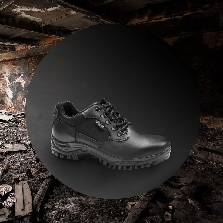 El calzado militar de tendencia que #tellevanmaslejos #militar #calzadomilitar #botamilitar #policia #guardiacivil #expocadena #expocadena88 #nuestropuntodeencuentro #proteccion #elegancia #estilo #calzadodedesfile #thebestshoes #shoes #military #militaryboots #lavallduixo #lavall