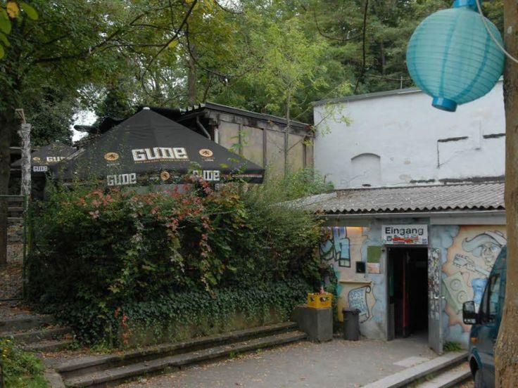 Luxury Steinbruch Theater Eingang und Biergarten