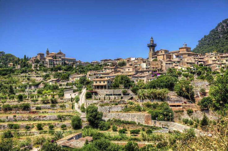 Valldemossa (Espanha) - Está situada na província e comunidade das Ilhas Baleares. A cidade é encant... - Shutterstock
