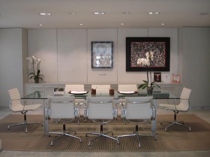 Las 25 mejores ideas sobre oficinas modernas en pinterest for Muebles para despacho de abogados