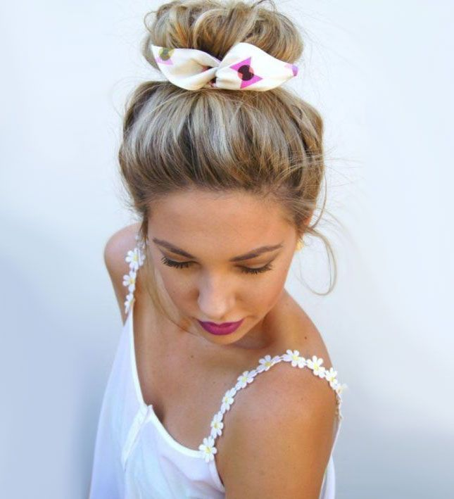 Coque alto é o penteado queridinho do momento - high bun - coque donut - bagunçado -  top knot - half bun - party hair