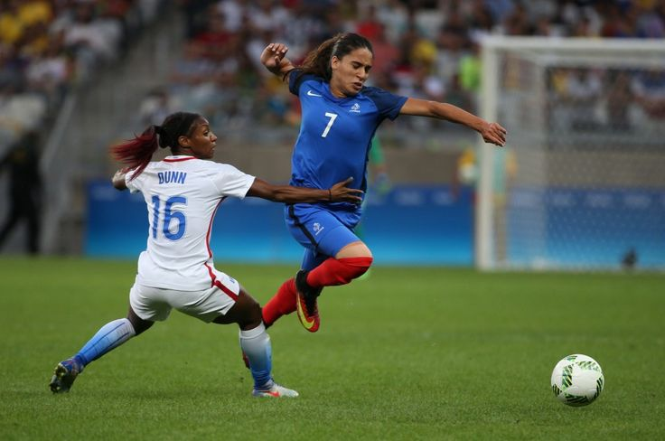 France's Amel Majri, right, fights for the ball with United States's Crystal Dunn during a group G match of the women's Olympic football tournament between United States and France at the Mineirao stadium in Belo Horizonte, Brazil, Saturday, Aug. 6, 2016.