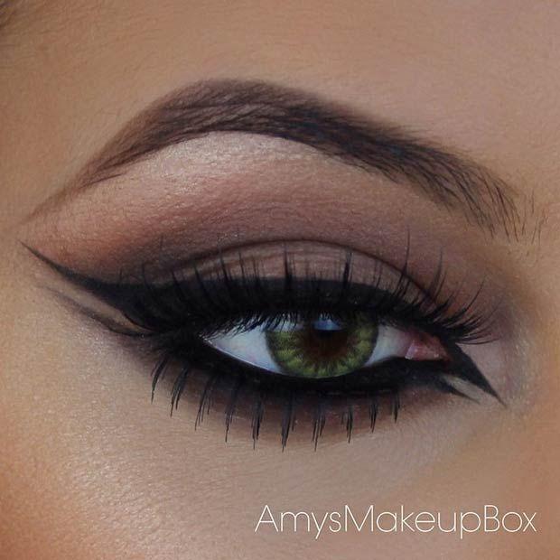 Double Winged Black Eyeliner