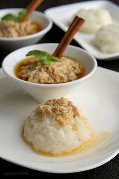 Ketan Sarikayo - Steamed Glutinous Rice and Coconut Milk Custard (YUMMY corner)