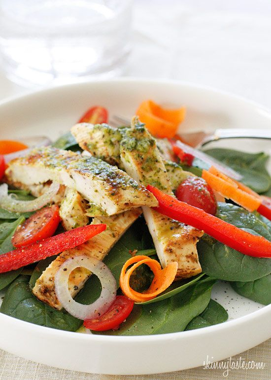 delish / Grilled Chicken and Spinach Salad with Balsamic Vinagrette, yum.