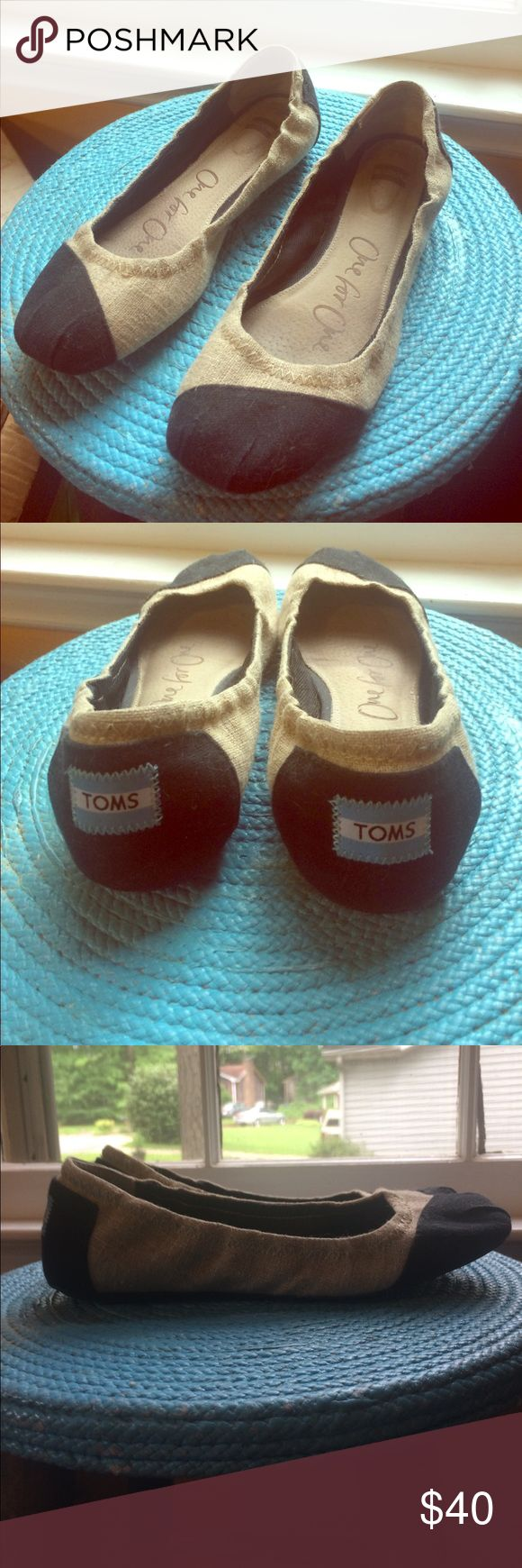 Final price! black/tan TOMS flats Tan TOMS flats with black heel and toe. Padded insoles—very comfortable! Make an offer! TOMS Shoes Flats & Loafers