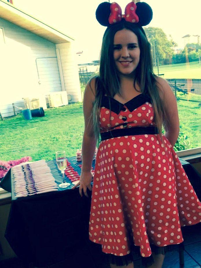 Disfraz Minnie Mouse embarazada. Minnie Baby Shower