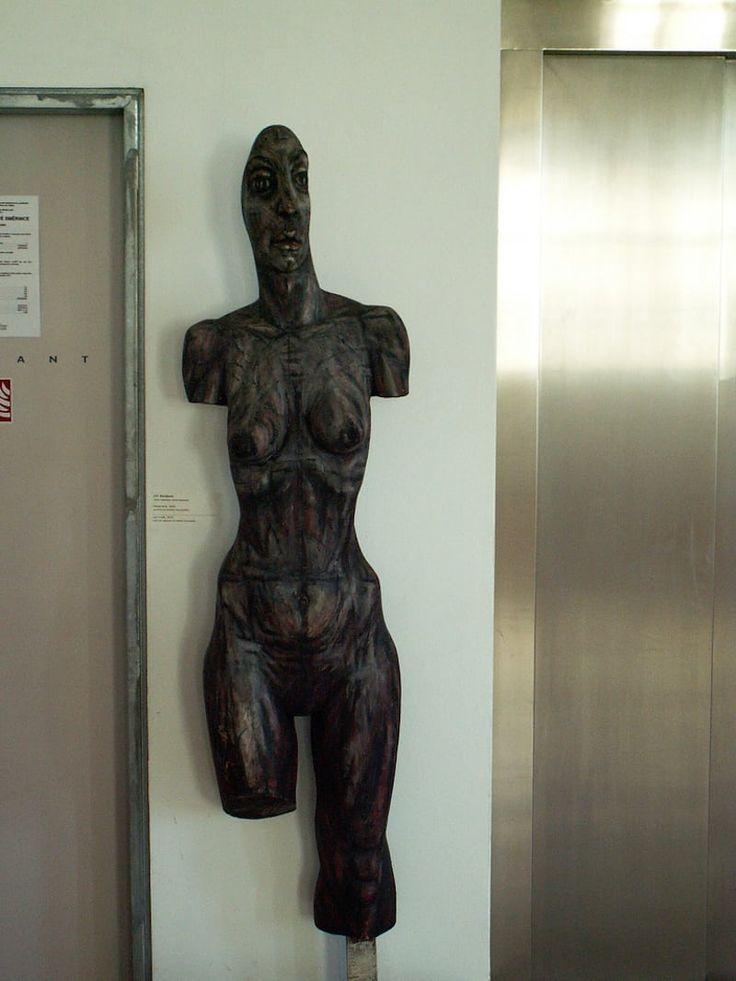 Sculpture-Tres-Bohemes-min