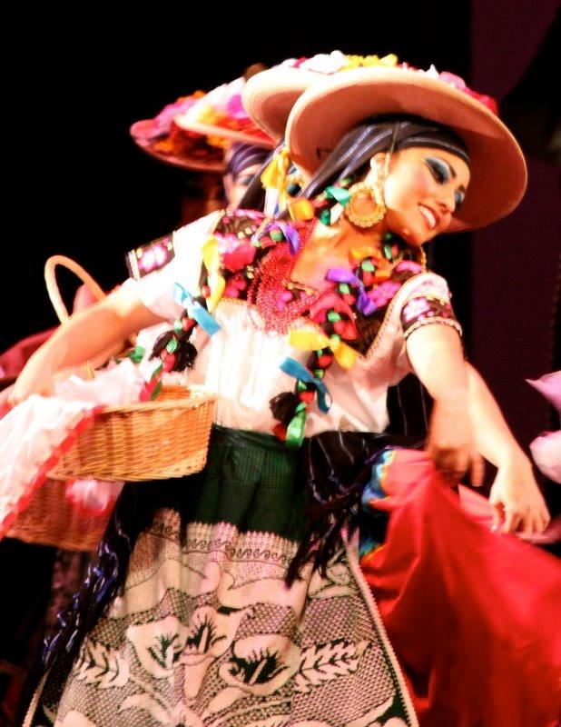 Ballet Folklorico. Mexican. Janitzia Rodriguez. Ballet Folklorico Mexicano de Carlos Moreno.