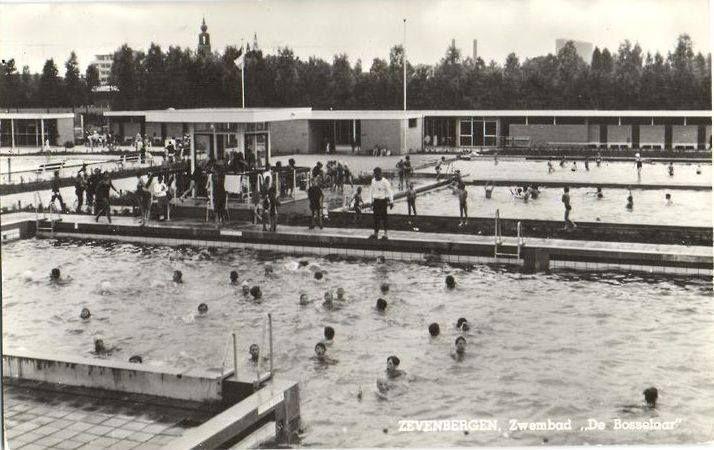 Zwembad de Bosselaar !! Te hopen dat deze open blijft !!!
