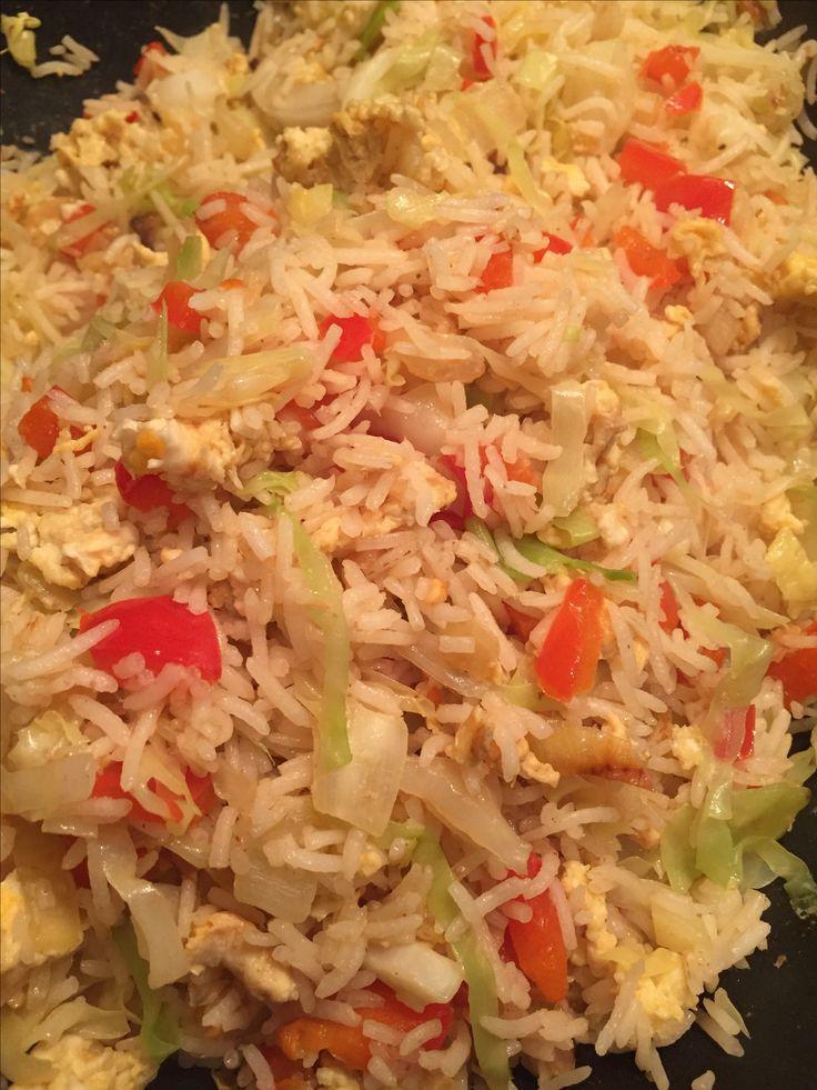 Spitskool over, paprika over...dan maar gebakken rijst mee maken met ei en verse knoflook en ui..en gegrilde kippenvleugels in de oven