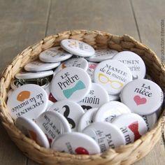 Badge à personnaliser avec notre liste de mariage                                                                                                                                                                                 Plus