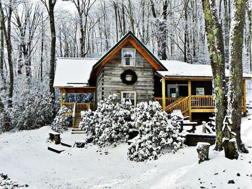 wood-is-good:Winter View at Cabin by williebob on Flickr.