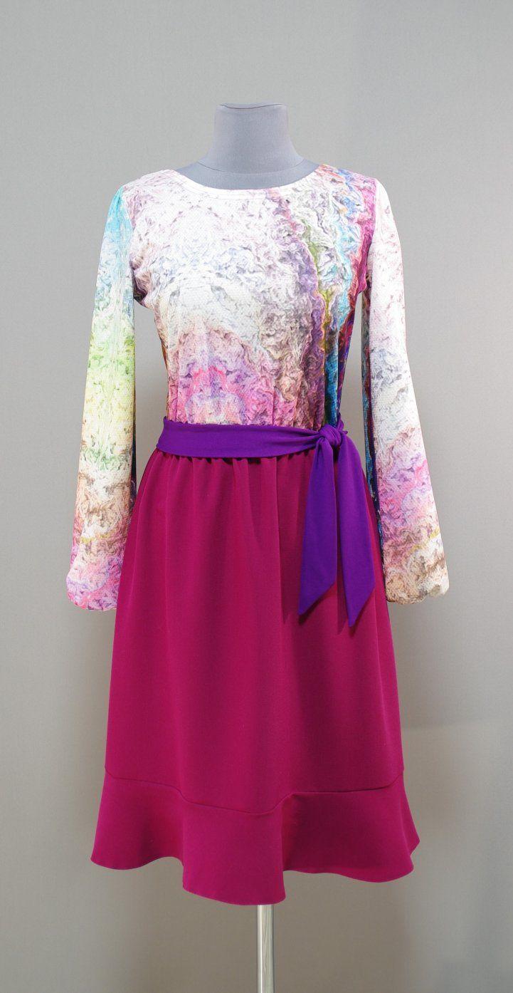 Яркое платье с юбкой цвета фуксии и воланом по низу | Платье-терапия от Юлии