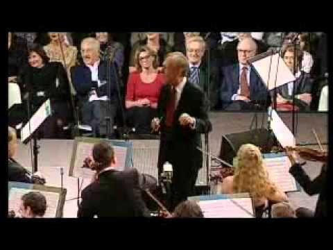 Pierino e il Lupo (Abbado - Benigni) Parte 2/4 - YouTube