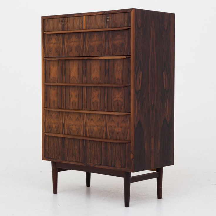Chest of drawers in rosewood