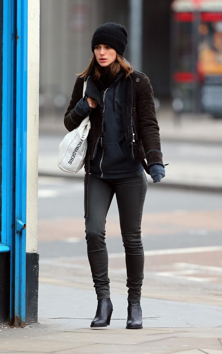 Keira Knightley....i wish i looked that cute in the winter