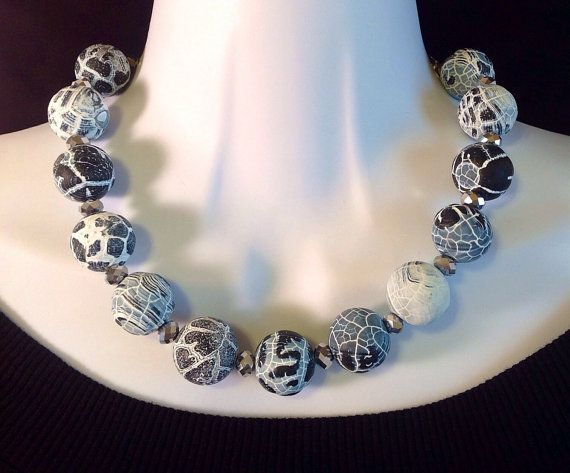 Fire crackle Agate necklace. Agate necklace. by ChicMillies.