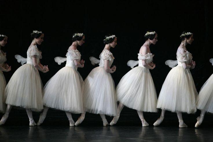 Paris Opera Corps de ballet in Giselle Photo © Sebastien Mathé