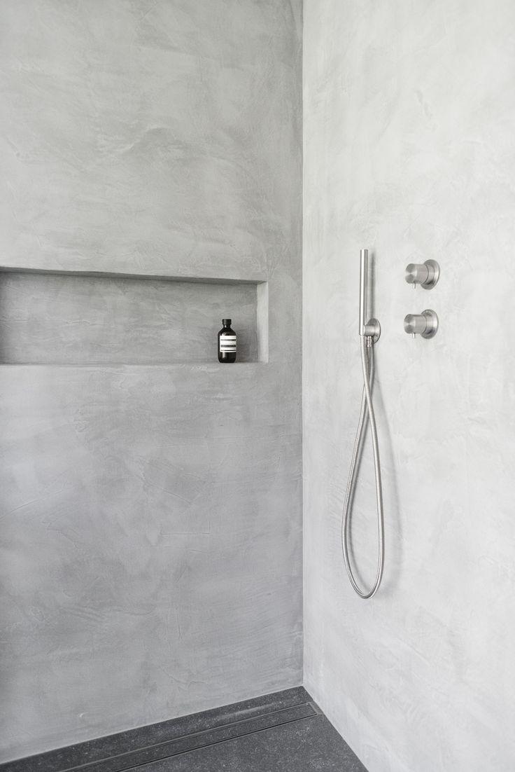 Les 25 meilleures id es de la cat gorie douche italienne sur pinterest douche walk in paroi - Faire douche italienne beton ...