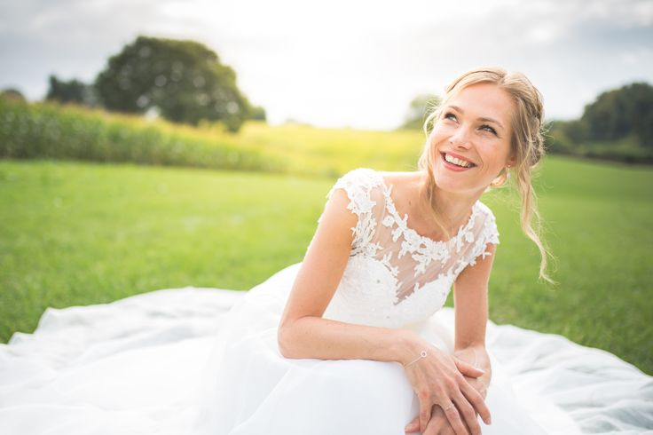 A beautiful location in Limburg was the setting for this bride. Hair and make-up by me.