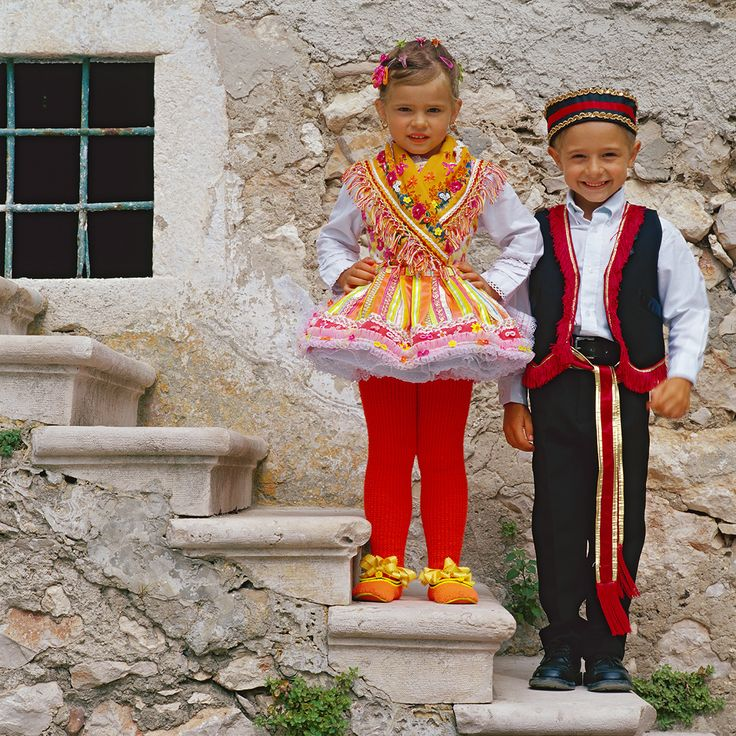 Folk Costume Island of Susak (Croatia) Photographer: Damir Fabijanić