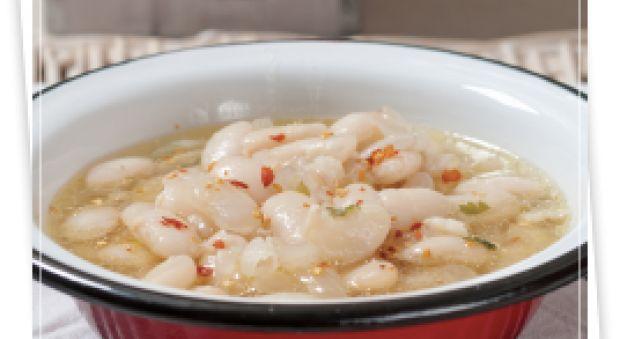 Λευκή φασολάδα σε σούπα
