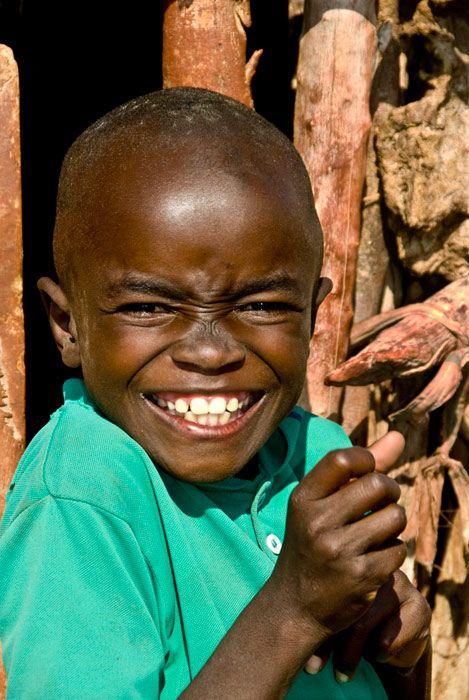 Fotografías de bebés, niños y niñas sonriendo que he encontrado por internet. Una dosis de positividad para empezar la semana.