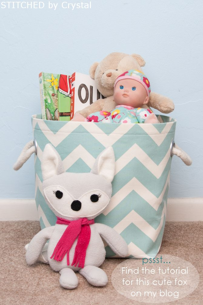 Fabric storage basket - sewing / Bolsa de tela para guardar juguetes