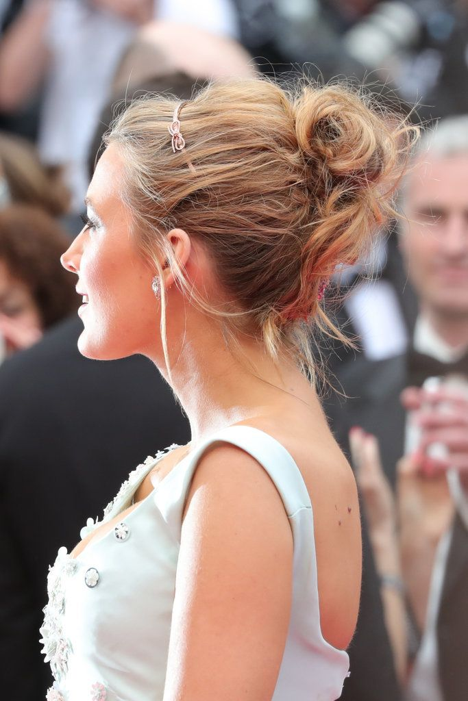 Red carpet hairstyle. Beautiful updo - Blake Lively. Celebrity hairstyle.