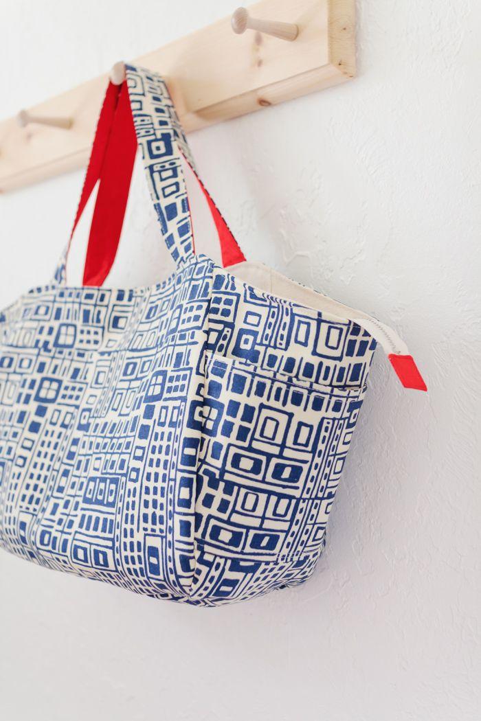 Love this.: Lbg Studios, Side Pockets, Studios Models, Sewing Challenges, Diy Bags, Bags Wallets Purses, Bags Bags, Big Bags, Bolsas Bags