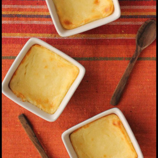簡単!混ぜて焼くだけ!水切りヨーグルトがベイクドチーズケーキに♪