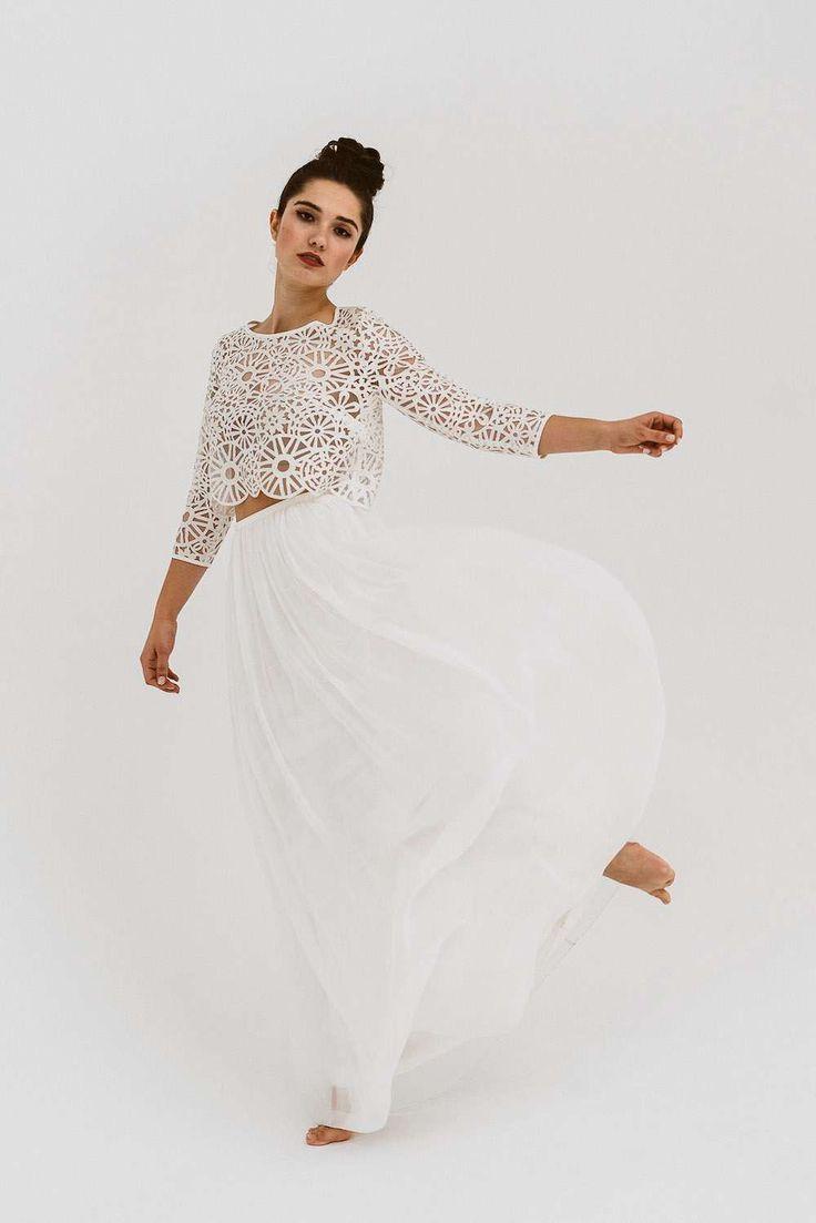 Ein Boho Brautkleid zum Verlieben ♥ Das Brautkleid mit Crop Top, halblangen Ä…