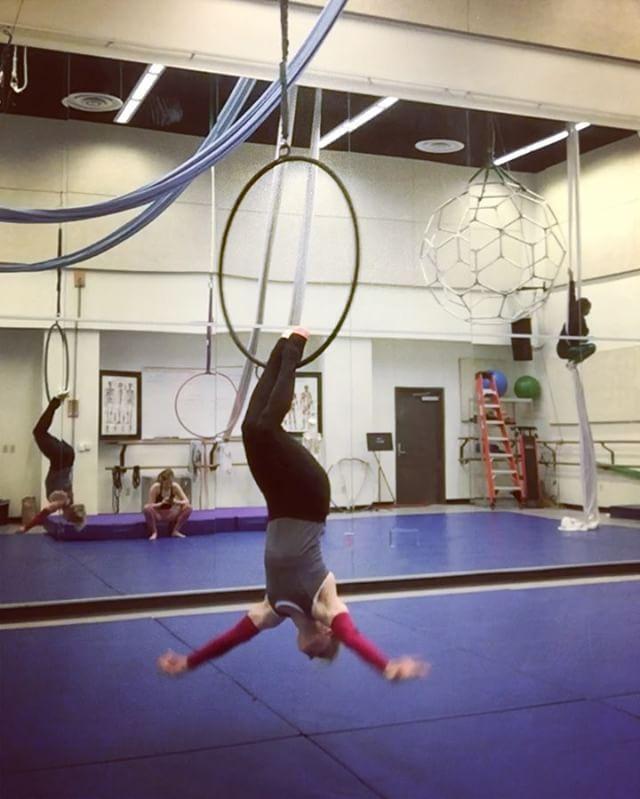 Love. Moves inspired by @carolinehuang95 and @that_circus_freak. Part 2. #aerialdance #dance #cirque #circus #circusarts #circuseverydamnday #circusinspiration #circusinternational #aerialbeauty #acrobatics #acrobat #splitsforday #strength #flexibility #balance #aerialistsofIg #beastlybuilt #usaaerial @beastlybuilt #dancing #acro #acrobatics #cerceau #aerialhoop #hoop