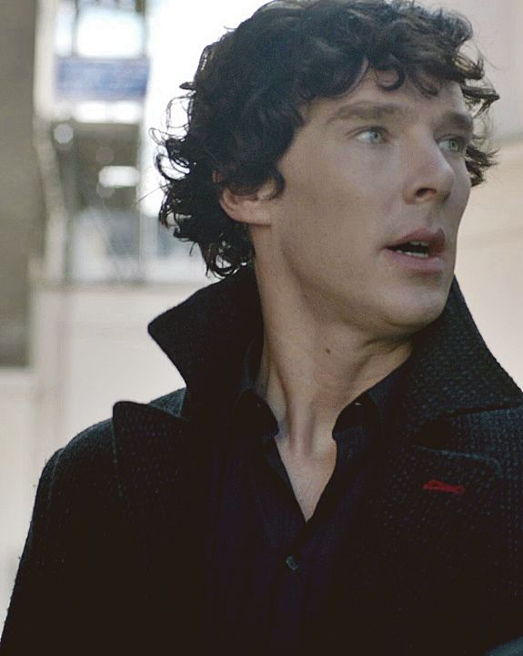 Benedict cumberbatch eye freckle