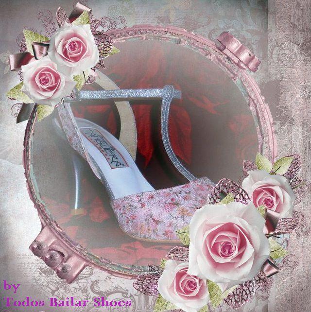 Η Todos Bailar Shoes ακολουθώντας το όνειρο ταξιδεύει για εσάς σε κόσμους με style και φινέτσα,δημιουργώντας το νυφικό υπόδημα των ονείρων σας....  Η Todos Bailar Shoes με έδρα της, την Πάτρα δημιουργεί όμορφες συλλογές από σχέδια για την ομορφότερη ημέρα της ζωής σας, για νύφες και γαμπρούς, αλλά και χειροποίητα υποδήματα δεξίωσης, με φαντασία και ρομαντισμό.