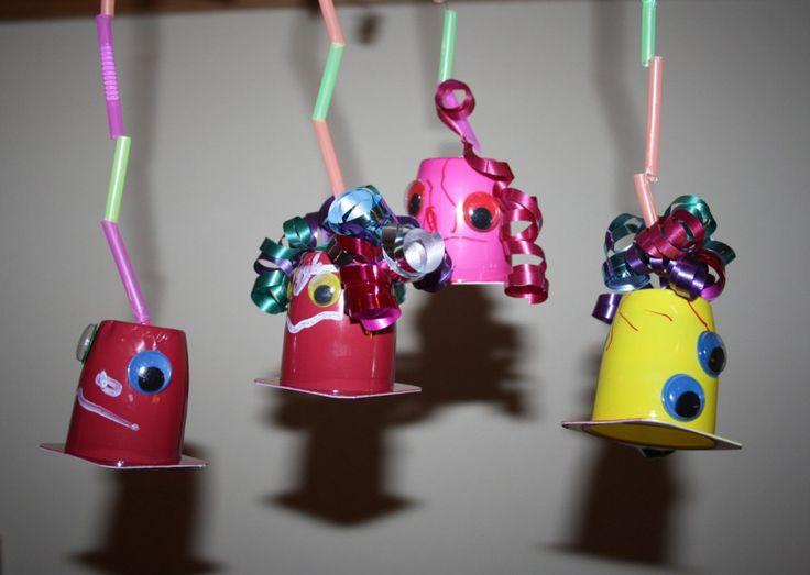 Faschingsdeko basteln. Schnelle Ideen auf Spielzeug.de #Karneval #DIY #Fasching