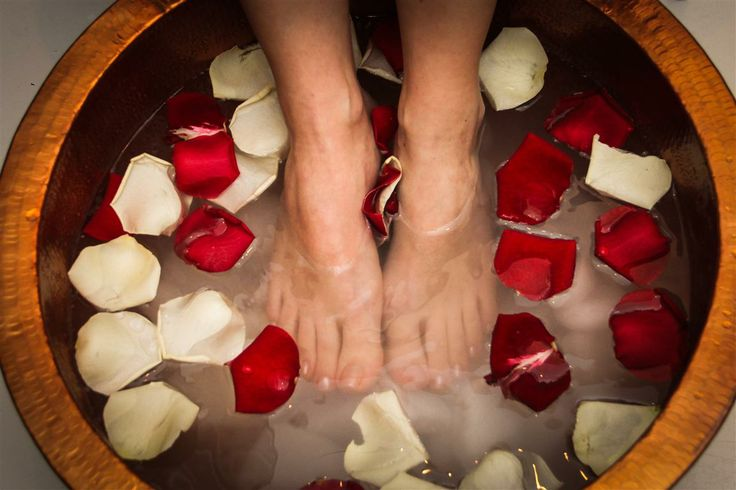 Feet & Soul Experience, http://feetandsoul.fi/ #feetandsoul #spa #feet #bath #roses #rosepetals