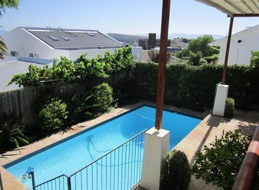 House for sale in Green Point, Cape Town R 5 200 000 Web Reference: P24-100191034 : Property24.com