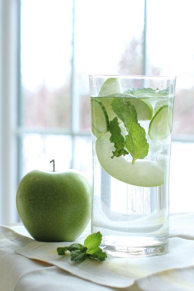 Apple Cucumber Mint Water Detox | Healthy and Skinny Detox Water Recipe by DIY Ready at  http://diyready.com/diy-recipes-detox-waters/