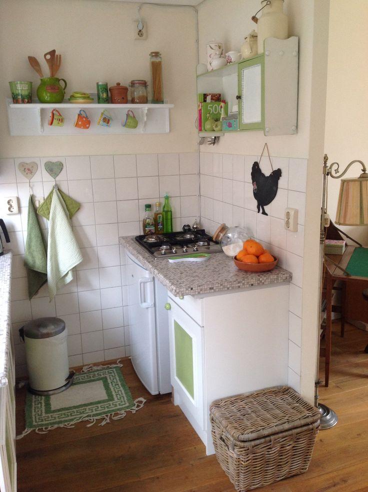 Mijn kleine keuken wordt steeds mooier! Vintage, brocante, groen en wit