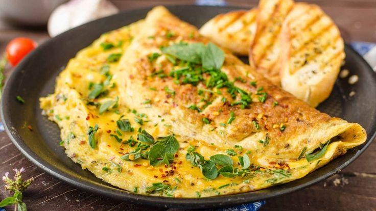 Omelette francese, omelette con formaggio fuso, ricetta francese