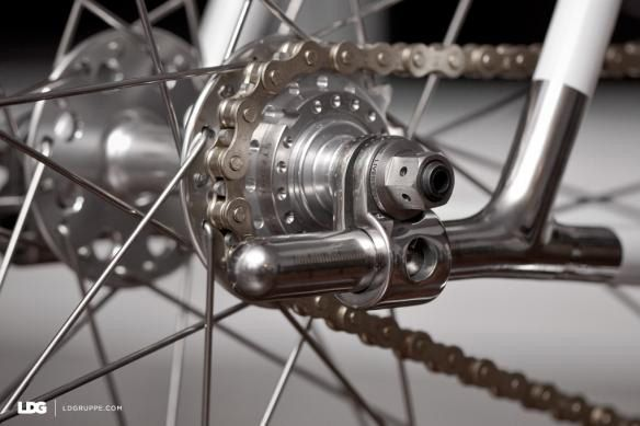 Cool Variation of the Fixie Horizontal Dropout